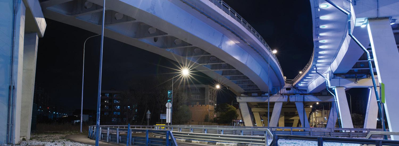 Led verlichting onder brug